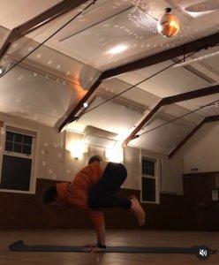 Charcoal Yoga Crathes Hall 2020